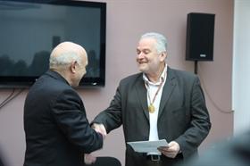 Доц. д-р К. Кисьов с почетен знак